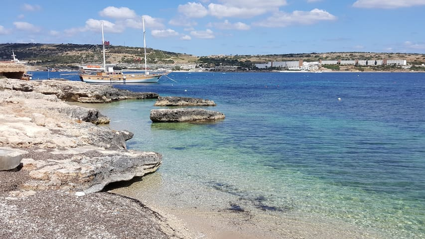 Single Room Inclusive 5 min walk to Mellieha Beach - Il-Mellieħa - Byt