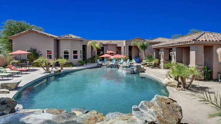 Luxury Estate, magnificent Pool and Spa.