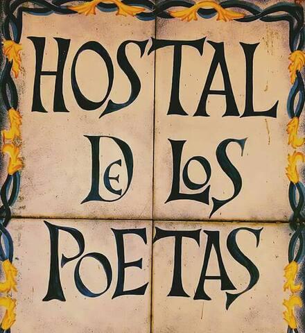 Hostal de los Poetas habitacion doble baño privado