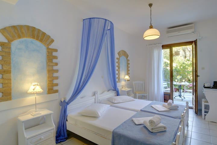 Romantic Double Room in Pelion Chorefto with magnificent view over Aegean sea