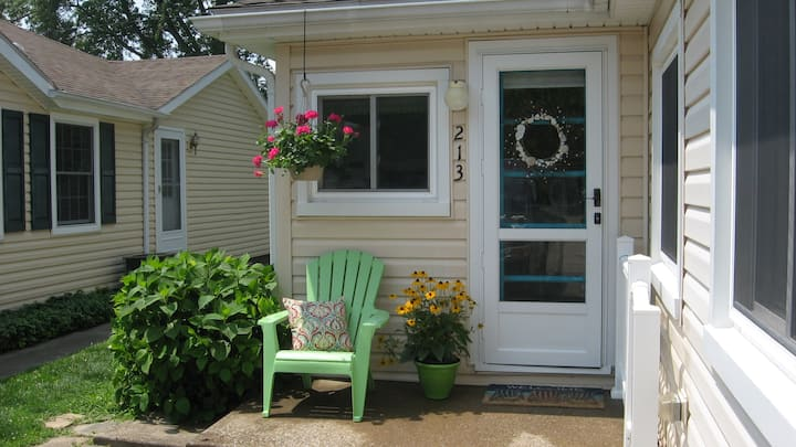 Charming Lake Erie Cottage - Old Homestead Beach