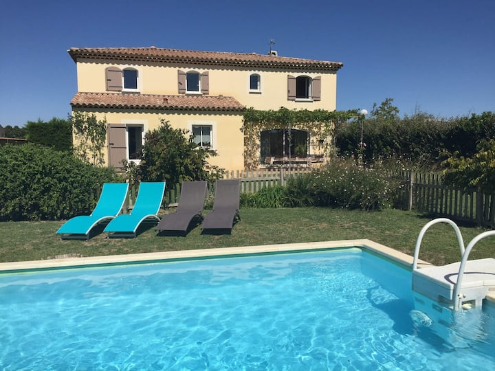 Very pleasant traditional Provencal style home with fenced private pool