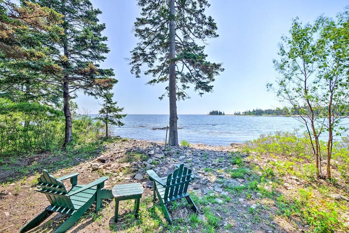 NEW! Oceanfront Prospect Harbor House w/ Deck+View