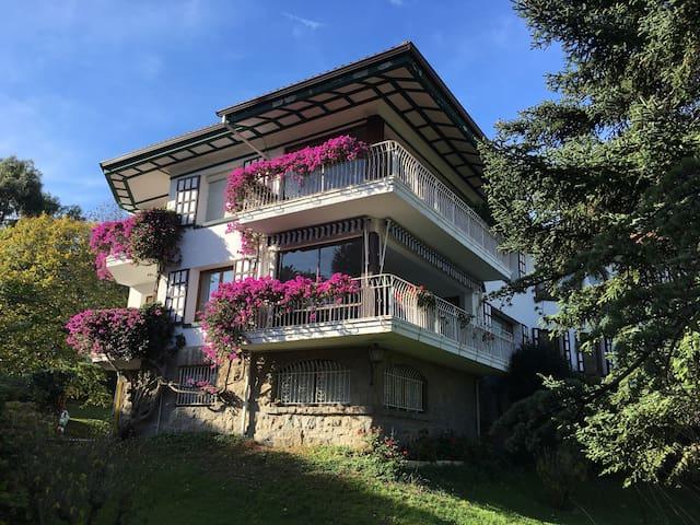 APARTMENT w GREAT VIEWS & LOCATION - Castro Urdiales - Pis