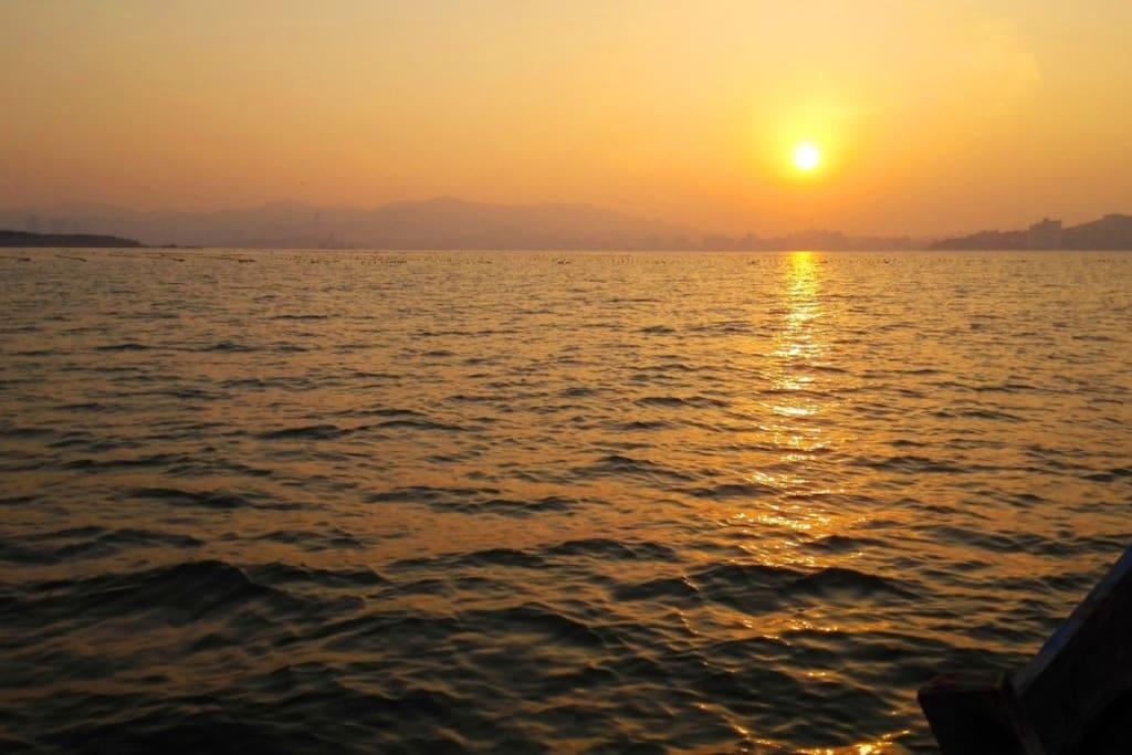 日落 看这个图片好有感慨。
