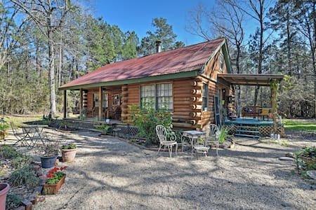 Charming 3BR Clinton Cabin w/Cable - Clinton