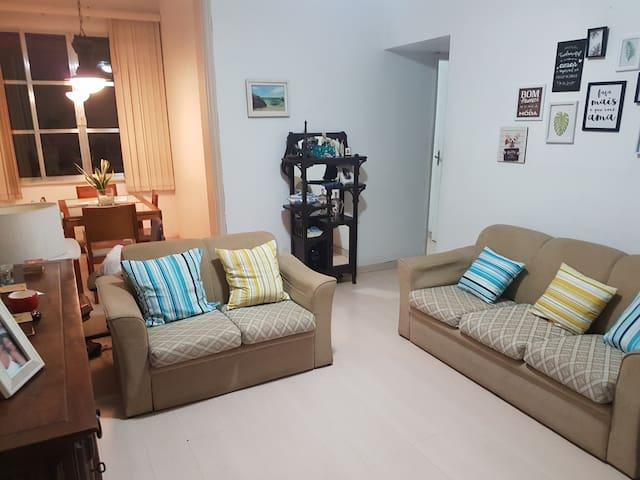 Apartamento inteiro, Flamengo próximo ao metrô