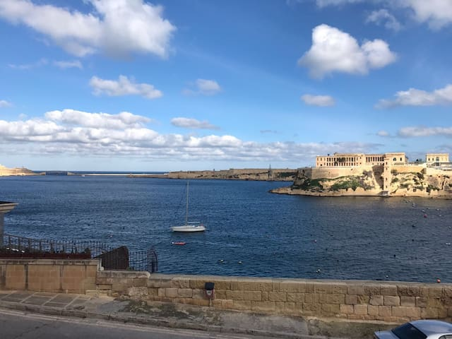 Grand Harbour View One Bed Apart - Birgu - Apartamento