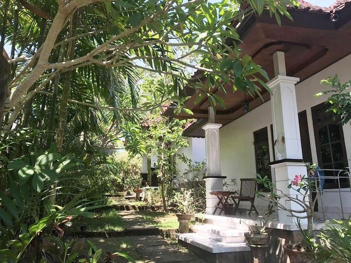 Uluwatu Bali house near beach & cafes - Sarang