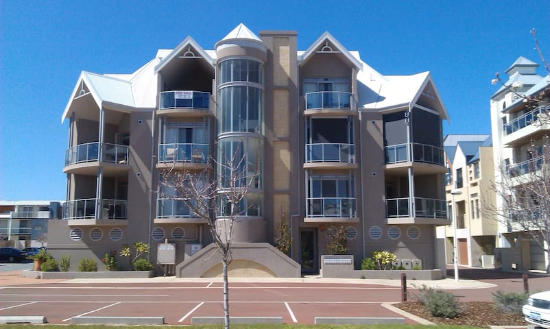 Gorgeous Penthouse Apartment - Mandurah - Huoneisto