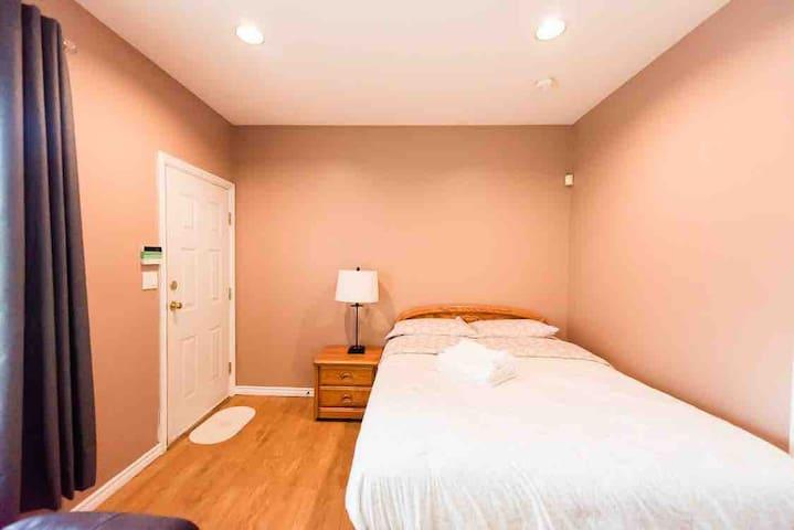 Cozy bachelor suite