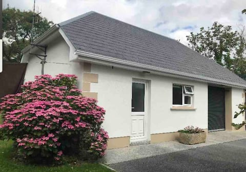 Beautiful self-catering Cottage, Athenry