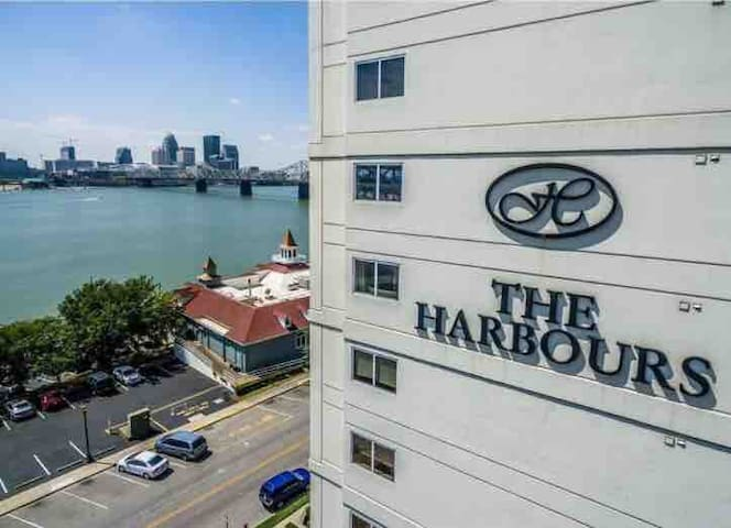 Spacious Riverfront Condo Minutes from Downtown!