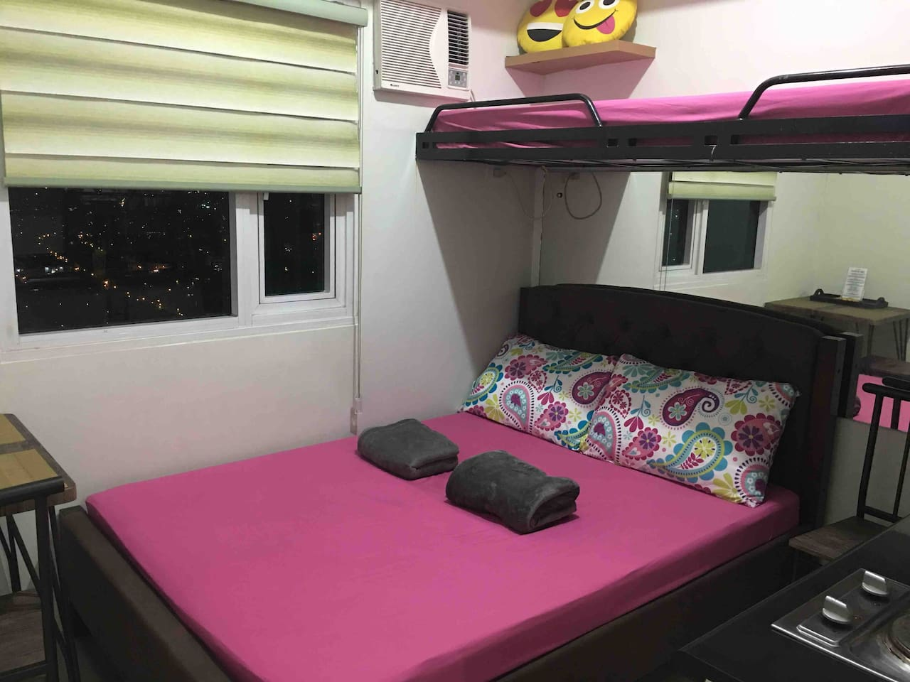 full double bed  54x75 (2-3 pax top bunk bed (single pax)