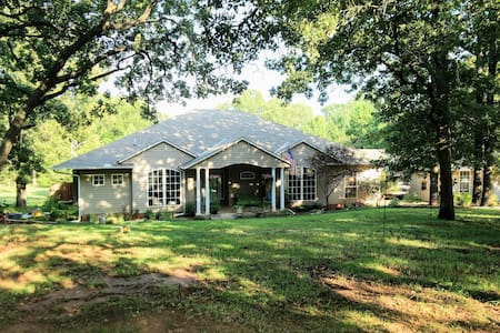 Noble Home with View/Pet Friendly-2 Private Rooms