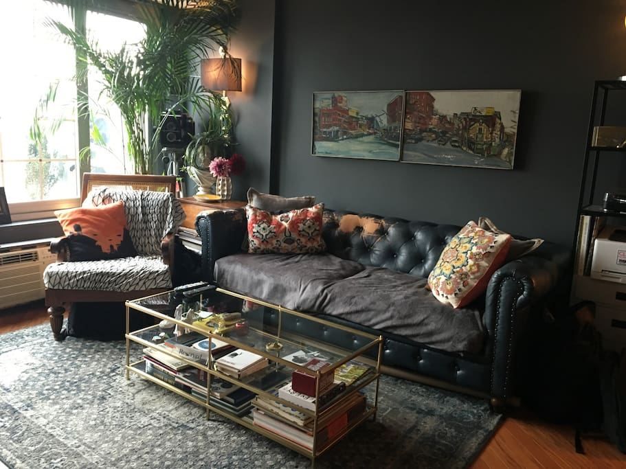 LIVING ROOM- A WONDERFUL COLLECTION OF UNIQUE ITEMS, VISUAL VIGNETTES