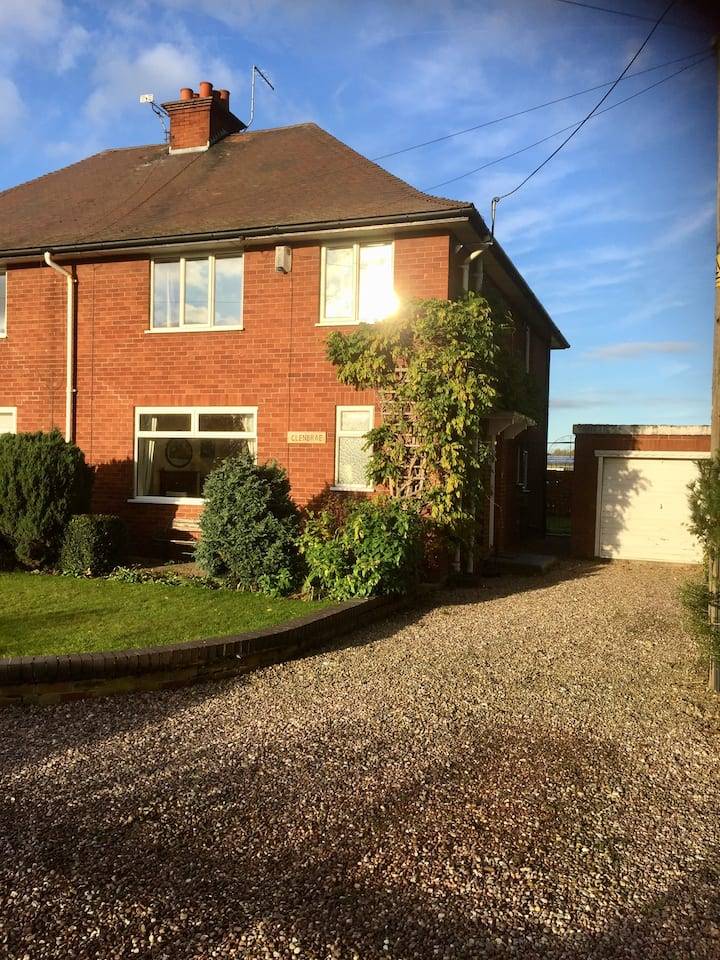 Self catering house in Nantwich- home from home!