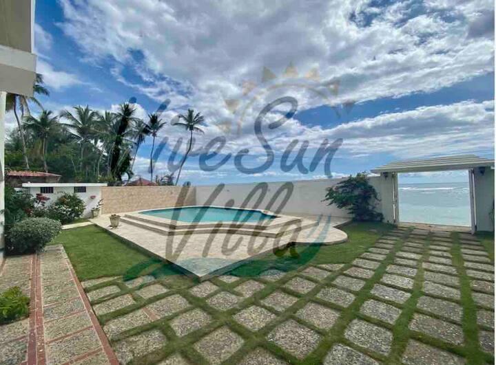 ViveSun Villa Primera linea de playa @vivesunvilla