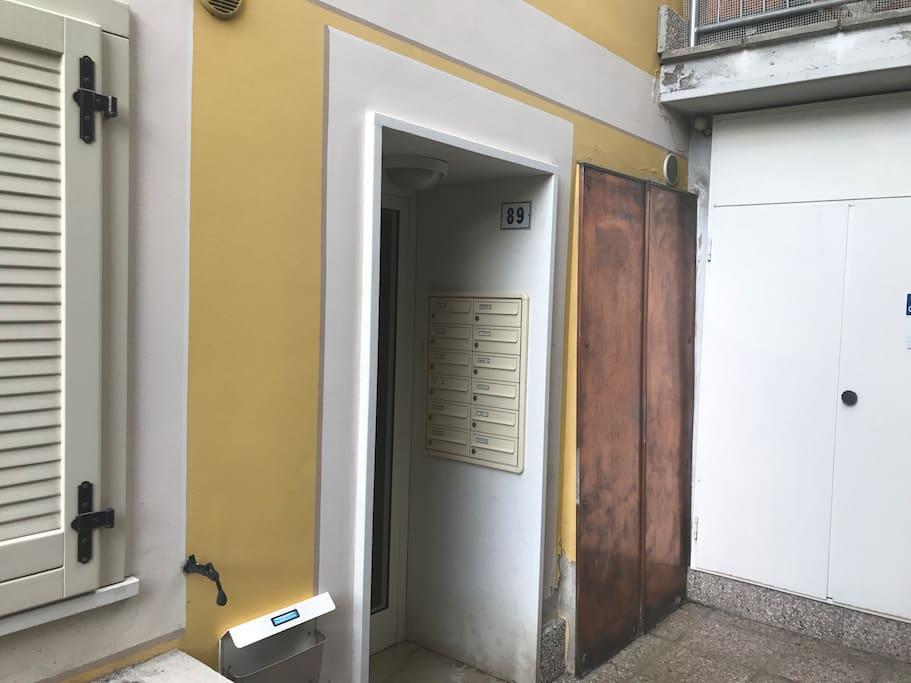 Appartamento bellavista in centro e garage for Entrata del mudroom dal garage