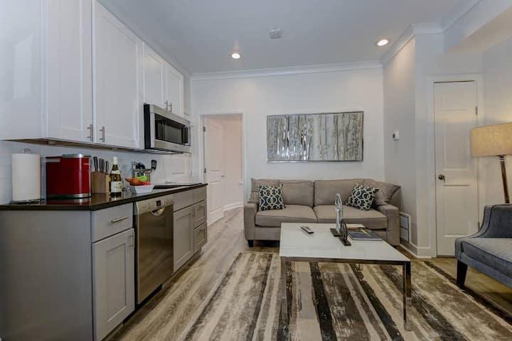 DuPont Circle/Kalorama Luxury Apartment Suite 3