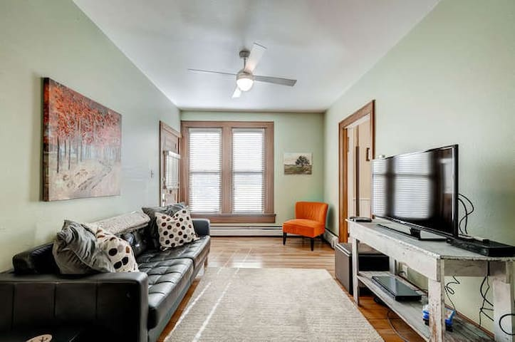 Old Town hip + modern space - Fort Collins - Apartament