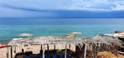 Campement de RAS ALI au bord de la mer TADJOURAH