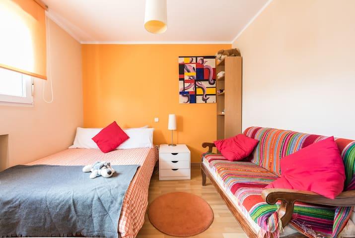 La habitación Naranja (1 cama 135 cm)
