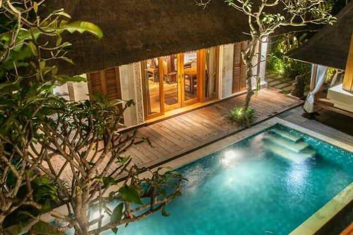 DEWARKA  UBUD Villa & Spa 3BR Private pool