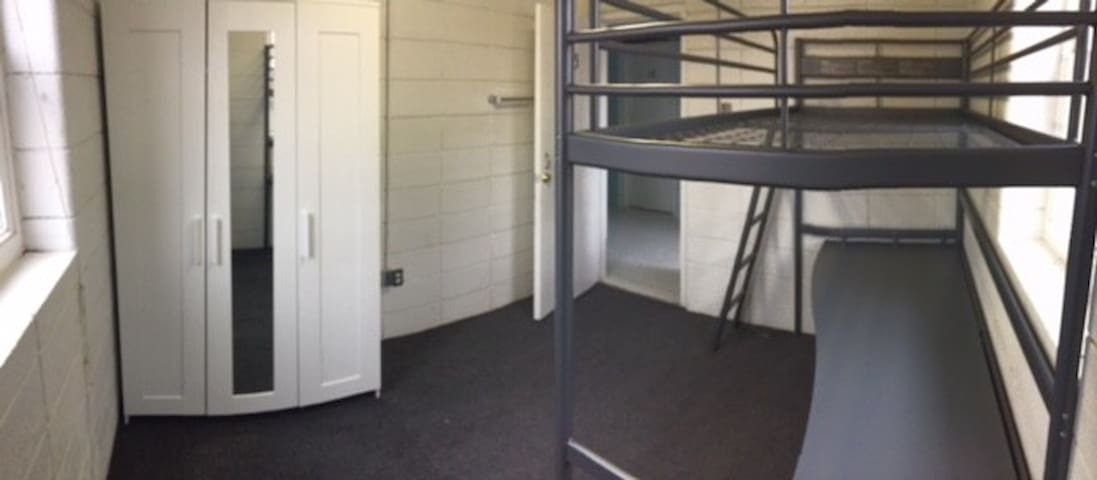 #14A Dorm Style Room near MS&T campus!