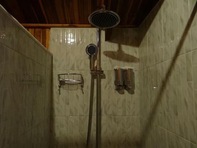 KhounPhet guesthouse - standard twin room