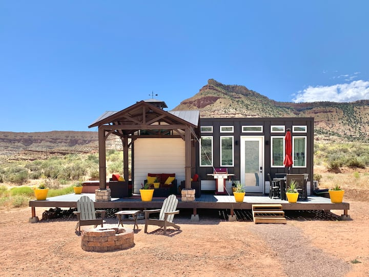 Guardian Angel Tiny House near Zion National Park