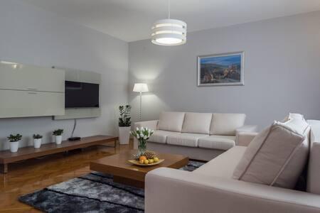 New Villa Solis with Pool 2 - Stobreč - 公寓
