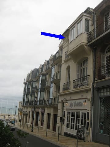 appartement perché pres de la plage