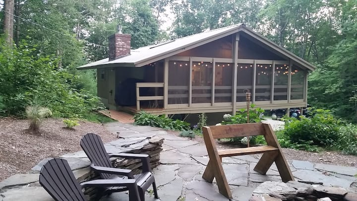 Red Ridge Chalet - Entire Vacation Rental Home