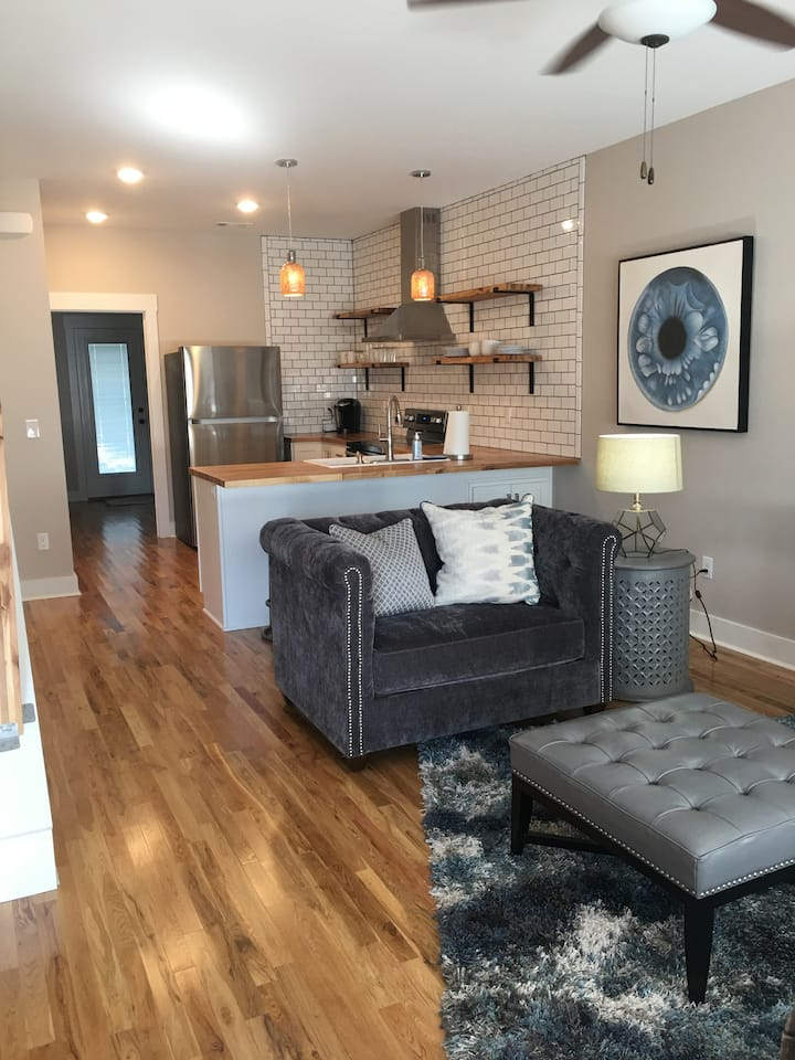 Three Bedroom Town Home at Madison Place - DOWNTOWN