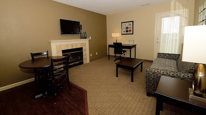 Awesome Value! Spacious Rental for 4 + Free Daily Breakfast