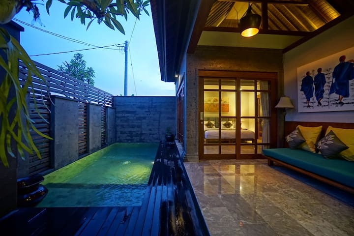 1BR Luxury Villa w/ Pool in the Rice Field of Ubud