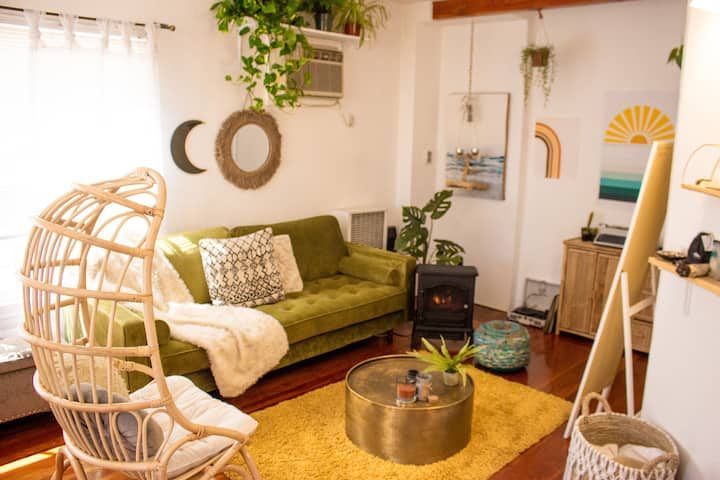Perfect Boho Style Home Near LACMA & The Grove