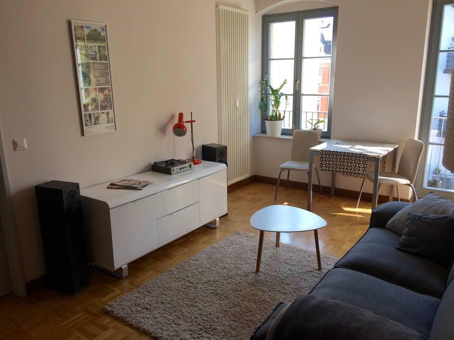 Helle wohnung inmitten der neustadt apartments for rent for Wohnzimmer neustadt