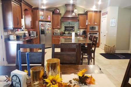 Sleeps 8 comfortably! Great home for family's