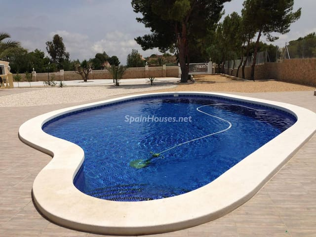 Apartment with PRIVATE POOL for you - Mutxamel