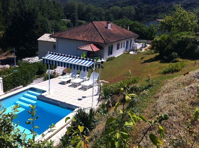 "VILLA ""casa Adélie"" avec piscine"