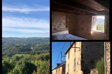 Les Terrasses, le Bez, St Geniez d'Olt et d'Aubrac