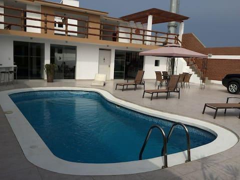 Casa con piscina en San Bartolo