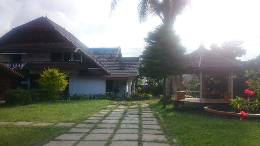 Homestay with Mountain View