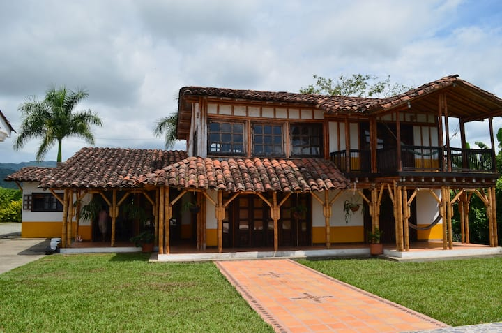 House strategically located in the Eje Cafetero
