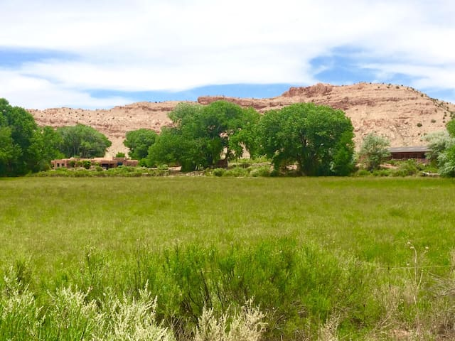 Spectacular Ranch on River, Heart of Abiquiu - Abiquiu - Ev