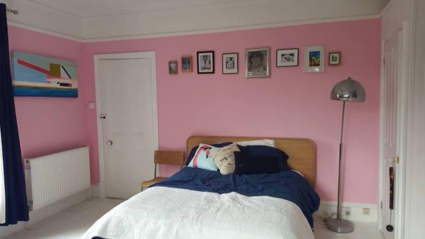 Big bright room in Victorian villa - Folkestone - Talo