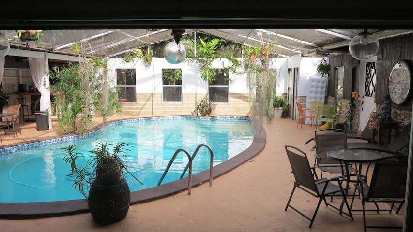 Quiet Miami Oasis 2 - Biscayne Park