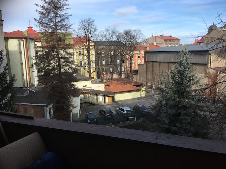 Dobrovolnický byt pro mladé lidi v centru města.